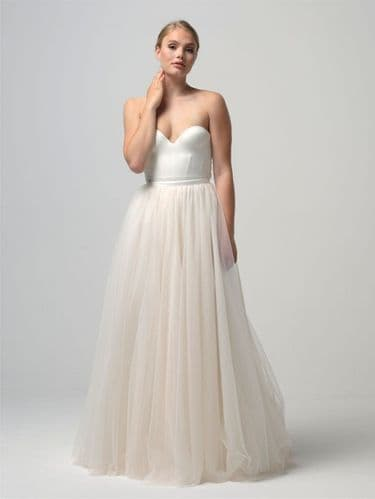 Ava Tulle bridal skirt encrusted with pearls