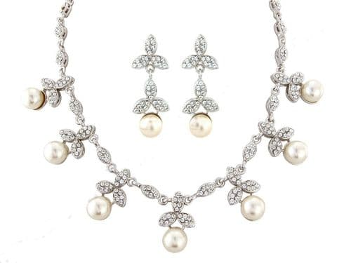 Swarovski Pearl crystal  necklace and earring set