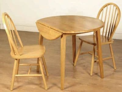 Brunswick Round Dropleaf Dining Set (2 chairs)
