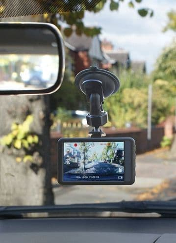 """Streetwize Dash Camera FULL HD Journey Recorder with 3.2"""" Monitor"""