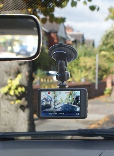 "Streetwize Dash Camera FULL HD Journey Recorder with 3.2"" Monitor"